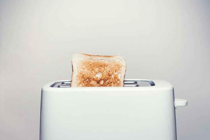 toaster-2617854_1920.jpg