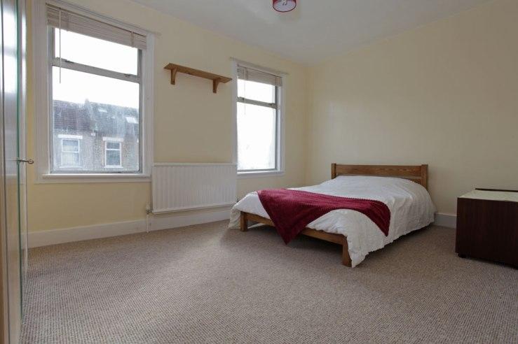 Front bedroom.jpg
